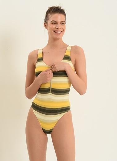 Morhipo Beach Kadın Çizgili Mayo MBKSS20MY0031 Sarı